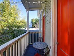 f p w savannah georgia vacation rentals f p w carriage house extporch1 1 jpg
