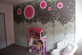 mur chambre fille un pan de mur comme élément central de cette chambre de fille