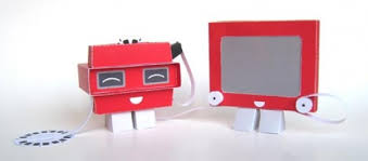anthropomorphic papercraft etch a sketch and viewmaster the mary sue