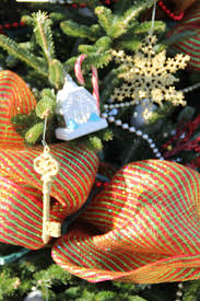 memories around the christmas tree allison puccetti adams
