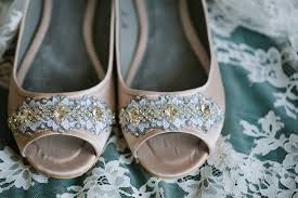 wedding shoes hamilton rustic barns at hamilton station wedding brian united