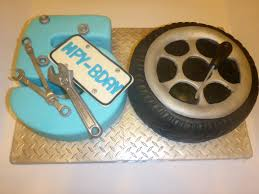 best 25 mechanic cake ideas on pinterest sculpted cakes tool