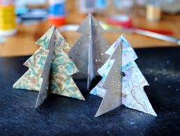 diy recycle last year u0027s christmas cards into a colorful bunting