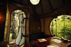 treehouse cabins let you sleep in the trees