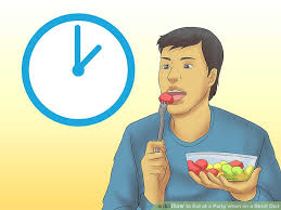 3 ways to eat at a party when on a strict diet wikihow