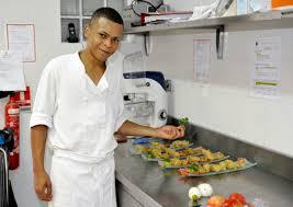 aide de cuisine de collectivité régiment du service militaire adapté de la réunion hôtellerie