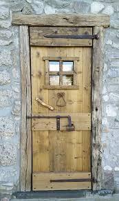 maniglie porte antiche porte in legno vecchio porte artigianali in legno antico