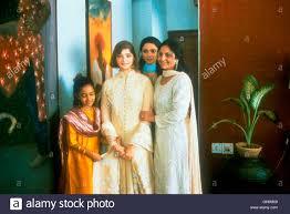 monsoon wedding monsoon wedding ind 2001 mira nair aliya verma - Monsoon Wedding