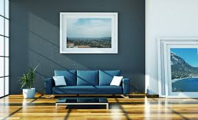 going easy to relax on a blue leather sofa designoursign