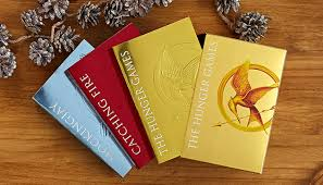 Barnes And Nobles Games 5 Reasons To Read Or Reread The Hunger Games Barnes U0026 Noble