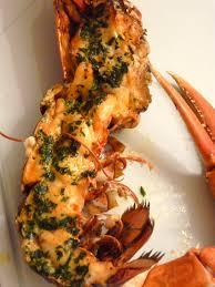 cuisiner homard vivant homard breton rôti au beurre d estragon une cuillerée pour papa