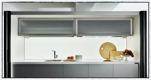 meuble haut de cuisine pose meuble haut cuisine élégant meuble suspendu cuisine plafond