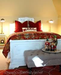 savvy southern style traditional red and green guestroom