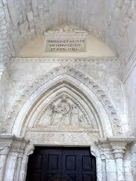 ingresso s l iscrizione sul portale d ingresso alla grotta di s michele