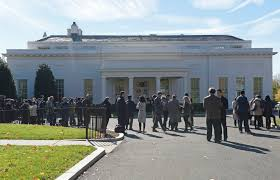 trump white house residence trump arrives at white house for meeting with obama news sports