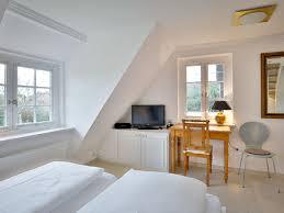 schreibtisch im schlafzimmer ferienhaus bergentenhof 3 ken sylt nordsee insel schleswig