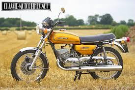 suzuki gt250a road test classic motorbikes