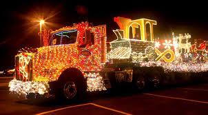 christmas light parade floats santa is in the yakima valley