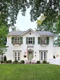 Veranda Mag Feat Views Of Jennifer Amp Marc S Home In Ca Best 25 Green Shutters Ideas On Pinterest Shutter Colors
