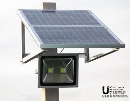 solar led flood lights 100w led flood light with solar panel and internal battery uneek leds