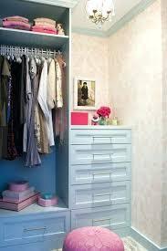 comment bien ranger sa chambre meuble avec beaucoup de tiroirs rangement chambre comment bien