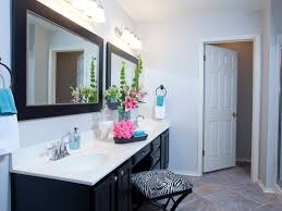 double sink vanity with chair in between for getting ready photos