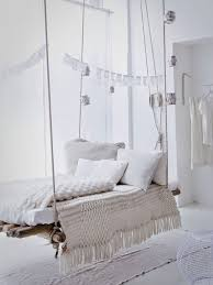 home decor ideas hanging daybeds sofas and swings trendsurvivor