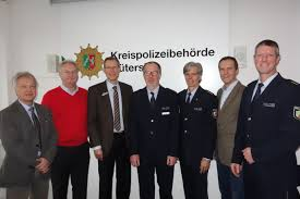Pressebericht Polizei Rastatt Baden Baden Pol Gt 40 Jähriges Dienstjubiläum Für Zwei Polizeibeamte