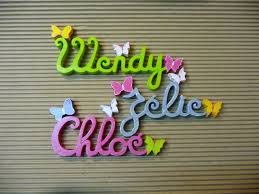 lettre porte chambre bébé lettres attachées papillon prénoms en bois décoration chambre