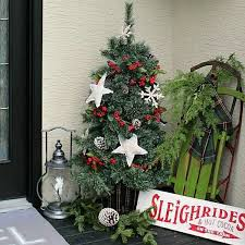 Cafe Decor Ideas 46 Magical New Year Porch Décor Ideas That Would Charm Everyone