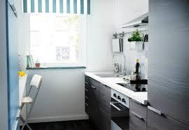 modeles de petites cuisines modernes modeles de petites cuisines une cuisine dans un couloir