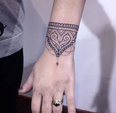 40 beautiful bracelet tattoos for men u0026 women tattooblend