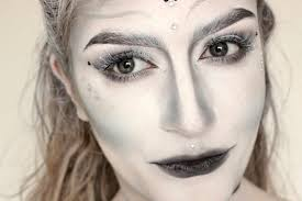 beauty snow queen makeup with river island dinosaur dances