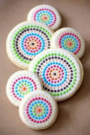 decorating cookies best 25 decorated cookies ideas on royal icing