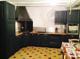 cuisine en chene repeinte en noir style bistrot housing ideas