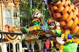 new mickey u0027s halloween celebration u201craise the rafters u201d float