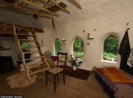 hobbit home interior the 25 best hobbit house interior ideas on