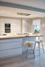 cuisine en bois blanc couleur pour cuisine 105 idées de peinture murale et façade