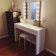 Makeup Vanities For Bedrooms With Lights Vanity With Lighted Mirror U2013 Harpsounds Co
