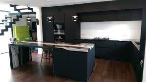 cuisine laqué noir cuisine laque noir granit black