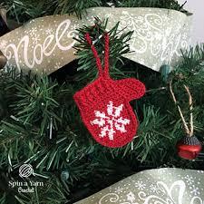 ravelry mittens ornament pattern by spin a yarn crochet