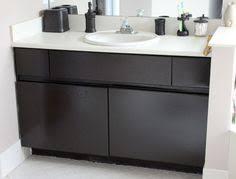 paint formica bathroom cabinets diy inexpensive bathroom cabinet makeover paint laminate cabinets