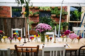 Wedding In Backyard by Staci And Simon U0027s Amazing And Colourful Diy Backyard Wedding In