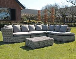 canape en resine exterieur awesome salon de jardin canape d angle resine tressee noir esmeralda