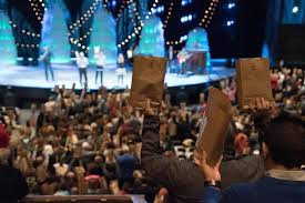 willow creek church gives gift packs to every prisoner