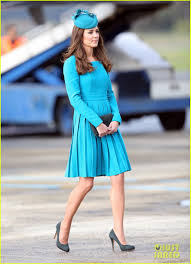 kate middleton u0027s matching dress u0026 hat is one of her best looks
