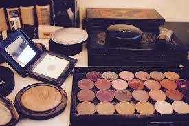 sunday chatroom eve learmonth make up artist the quiet resolution