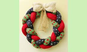 knitted christmas knitted christmas wreath knit crochet christmas