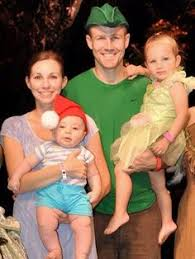 Peter Pan And Wendy Halloween Costumes by Bank Robbers Bandits Diy Halloween Costumes Pregnancy Belly