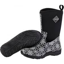 dirt boot muck boots for men women and kids the muck boot store